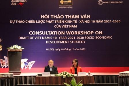 TS. Cao Viết Sinh và Bà Stefanie Stallmeister chủ trì hội thảo.