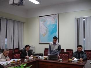Ths. Nguyễn Ngọc Hải trình bày báo cáo tóm tắt của dự án trước Hội đồng nghiệm thu nhiệm vụ bảo vệ môi trường