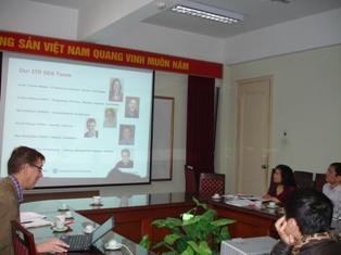 Tiến sĩ Klas Sandstrum đã giới thiệu về Chương trình đào tạo đánh giá môi trường chiến lược.