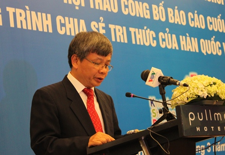 Thứ trưởng Bộ Kế hoạch và Đầu tư, ông Nguyễn Thế Phương phát biểu tại Hội thảo.