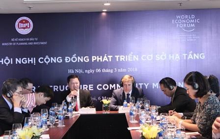 Ông Nguyễn Văn Vịnh, Phó Viện trưởng Viện Chiến lược phát triển phát biểu tại hội nghị.