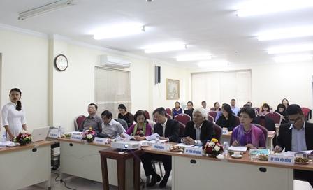 NCS Nguyễn Thị Ngọc Anh trình bày tóm tắt LATS trước Hội đồng.