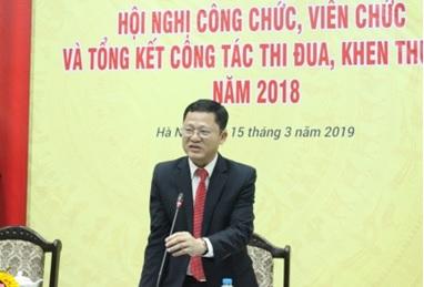 Phó Viện trưởng Nguyễn Văn Vịnh phát biểu tại Hội nghị.