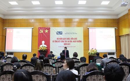 <center>Viện trưởng Trần Hồng Quang phát biểu tại Hội nghị.</center>