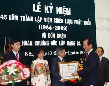 50 năm hoạt động, Viện Chiến lược phát triển đã đạt được nhiều thành tựu đáng ghi nhận.
