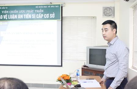 NCS Đào Trường Thành bày tóm tắt LATS trước Hội đồng.