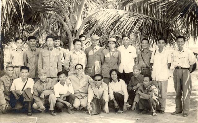 Cán bộ Viện Chiến lược phát triển những năm đầu thành lập