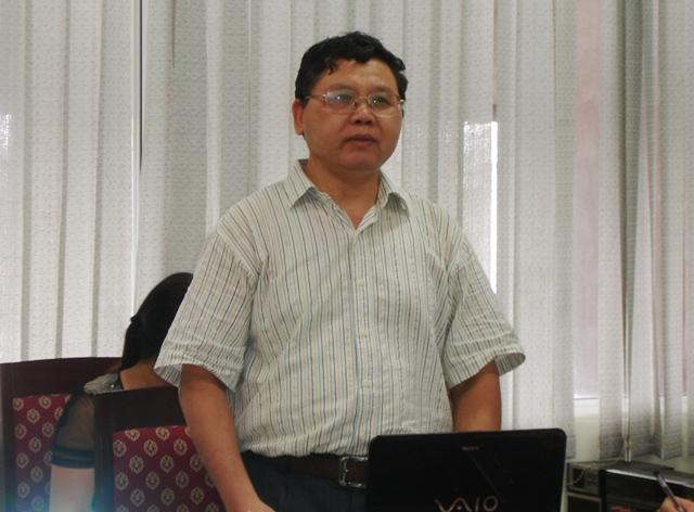 TS.Cao Ngọc Lân, Trưởng ban Ban Phát triển vùng trình bày tóm tắt đề tài.