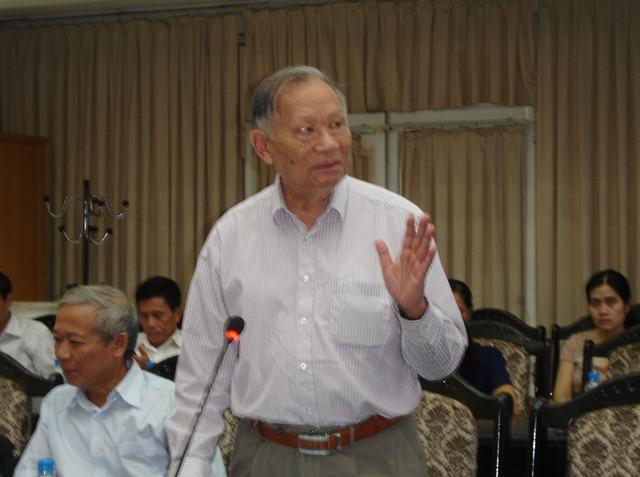 GS.TSKH. Nguyễn Quang Thái, Tổng thư ký Hội khoa học kinh tế Việt Nam phát biểu tại hội thảo.