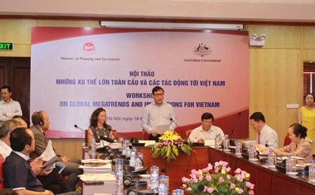 Thứ trưởng Bộ Kế hoạch và Đầu tư ông Đặng Huy Đông phát biểu khai mạc Hội thảo.